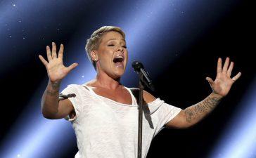 La cantante Pink anuncia que tuvo el coronavirus y critica al gobierno por no masificar las pruebas
