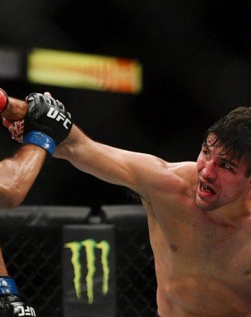 VIDEO: Vicente Luque vence a Niko Price, al causarle un fuerte corte en el ojo con un infernal izquierdazo 'de la nada' en un evento de la UFC