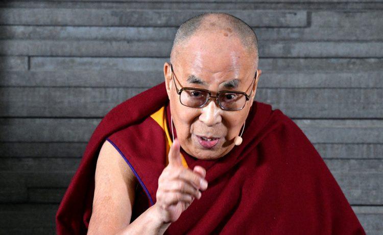 El Dalái Lama publica una canción de su primer álbum musical con el que festejará su 85º cumpleaños