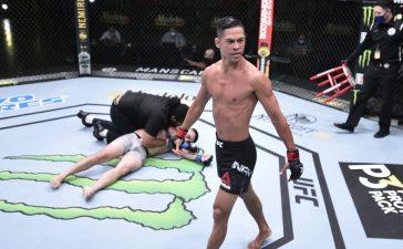 VIDEOS: Por primera vez en la historia de la UFC las tres primeras peleas de un evento terminan con severos nocauts en menos de un minuto