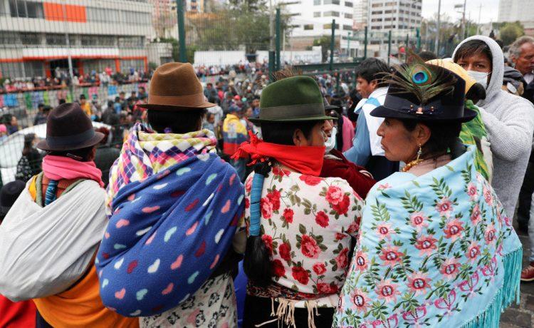 """""""Se tapa la nariz como si yo estuviese apestando"""": La cantante indígena Tamya Morán habla sobre el racismo en Ecuador"""