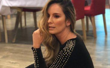Con un diminuto bikini, Claudia Bahamón dejó clarísimo que los 40 no le pesan (Chismes
